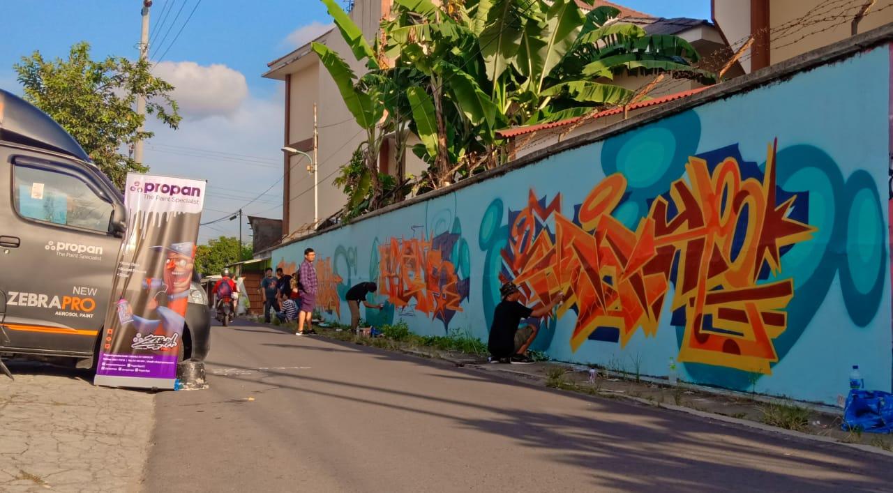 Zebra pro dan zebra pro graffiti tampil eksis di acara road to nusanthetic